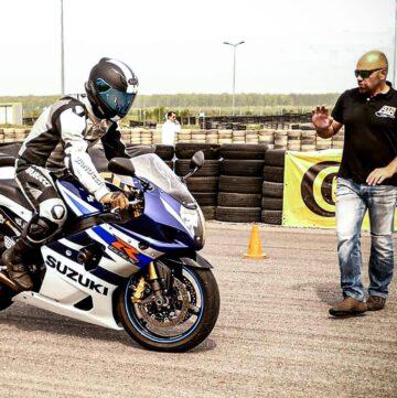 Scoala de moto - Acdemia Titi Aur