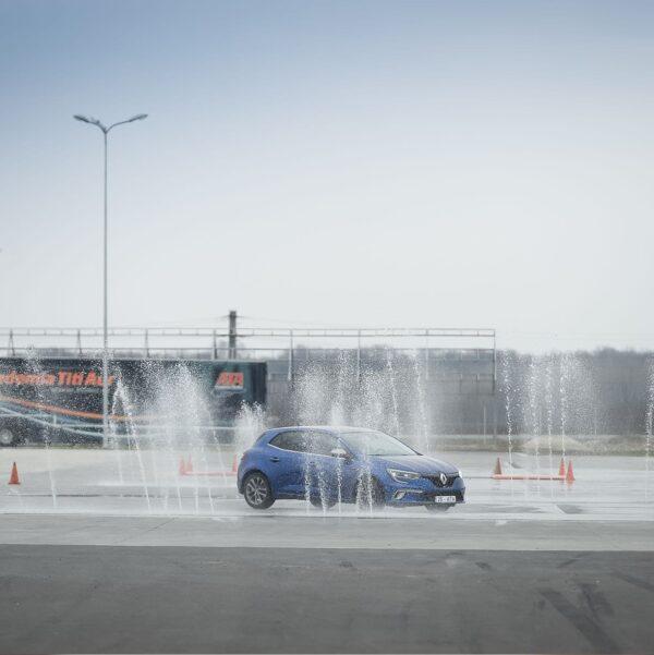 Control autoturism pe ploaie