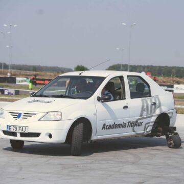 derapare controlata- control autoturism