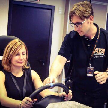 Simulator de conducere auto